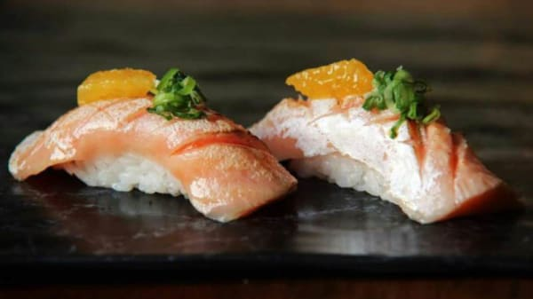 Mitsuba - Sushi de salmão brulé - Mitsuba, Rio de Janeiro