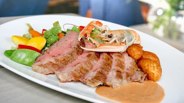 Iberico met langoustine - Restaurant Harboury, Tilburg