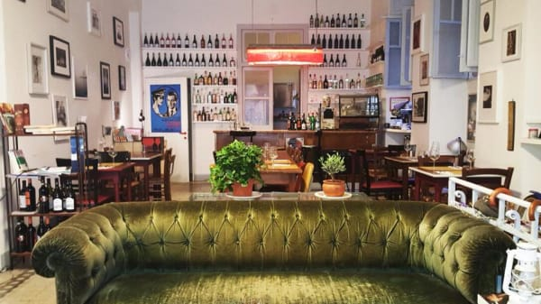 divano - Bukowski's Bar, Roma
