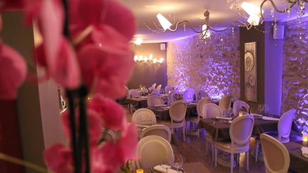 Vue de la salle - La Table des Gourmets, Lamorlaye