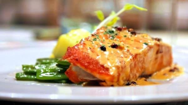 Salmone - Skuisito Osteria del Pesce, Milano
