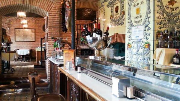 Vista sala - Taberna de Gadea, Madrid