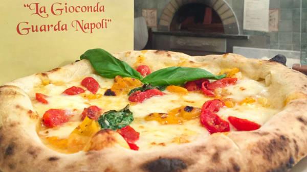 La pizza - La Gioconda guarda Napoli, Firenze