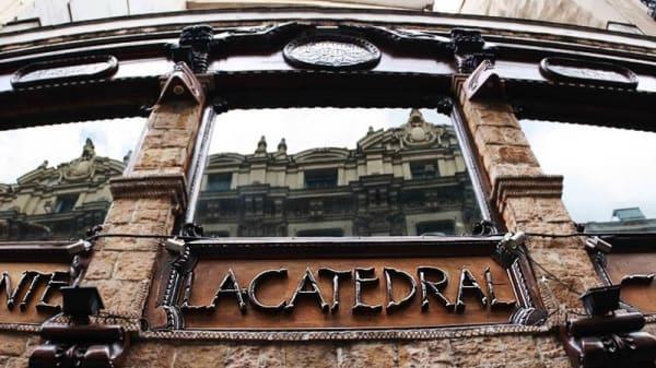 Entrada - La catedral, Madrid