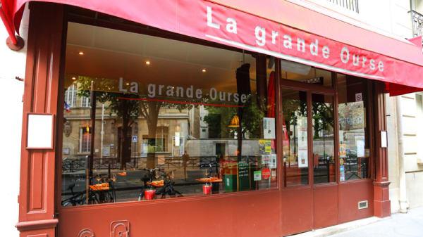 Entrée - La Grande Ourse, Paris