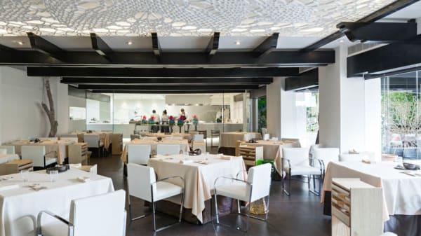 Vista sala - Dani Garcia - Puente Romano Beach Resort, Marbella