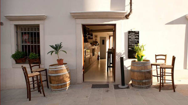 Entrata - Wine bar L'etrusco, Trieste