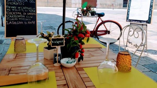 """Prenota in tempo il tuo tavolo, gustose delizie """"Mare e Terra"""" ti aspettano al Piranha! - Piranha Osteria Salentina 2.0, Lecce"""