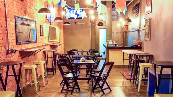Vista da sala - Optmist Café Bar, São Paulo