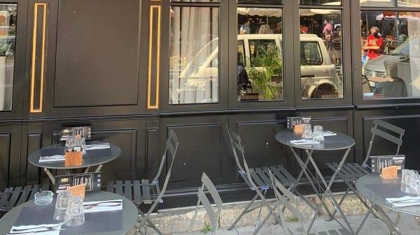 La terrasse, grande terrasse - Brasserie du marché (=Au Comptoir des Capucins), Bordeaux