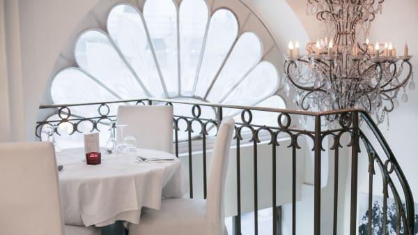 Ambiance romantique - La Divina Commedia, Paris
