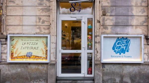 Entratta - Otto e Tre Quarti, Turin