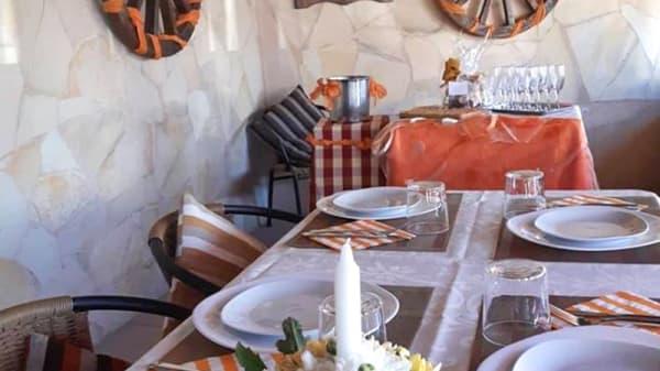 Sala del restaurante - Tastasàl, Arona