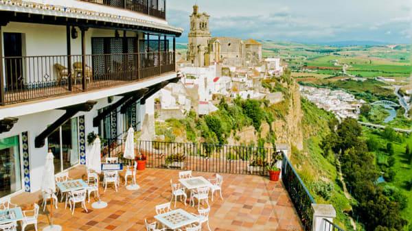 Terraza con vistas - Restaurante Parador de Arcos de la Frontera, Arcos De La Frontera