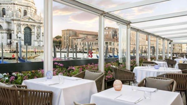 Unique Grand Canal dining - InAcqua Restaurant, Venice