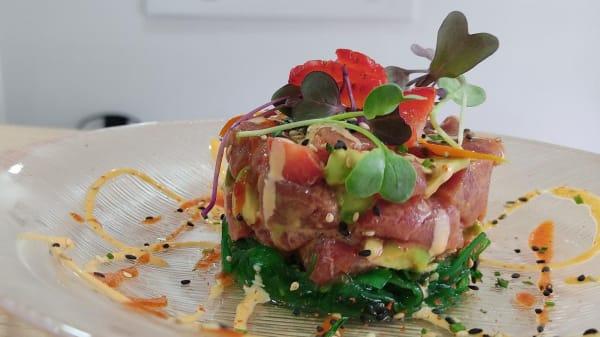 Tartar de atún rojo balfego y frutos rojos - Siembra Ikigai, Torrejon De Ardoz