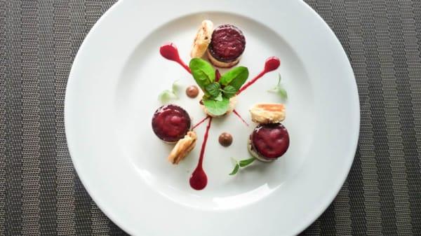 Foie gras mi-cuit et sa gelée d'hibiscus - La Bifurcation, Bagnolet