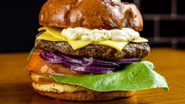 Burger - X Brasa Burguer and Beer, São Paulo