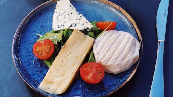 Assiette de fromages - Au Rocher de Cancale, Paris