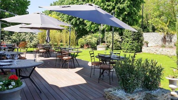 Terrasse - Atelier Gourmand, Saint-Jean-de-Beauregard