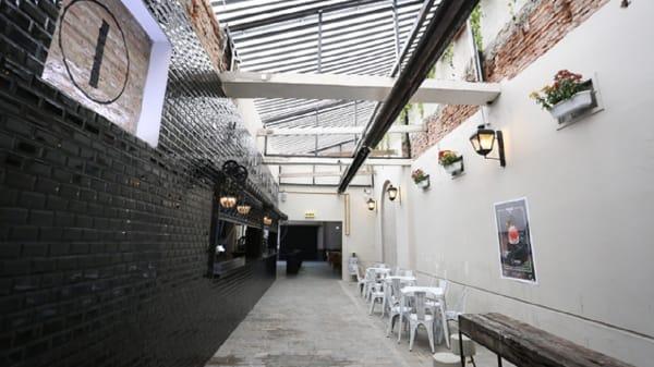 . - La Calle Bar, Buenos Aires