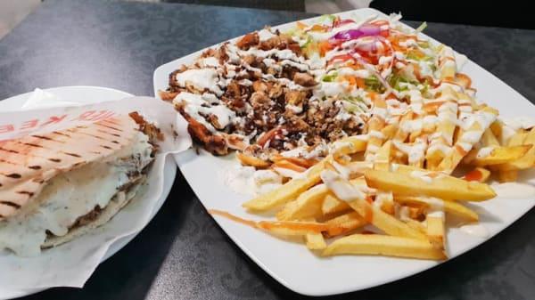 Sugerencia de plato - Kebab pan pita, Córdoba