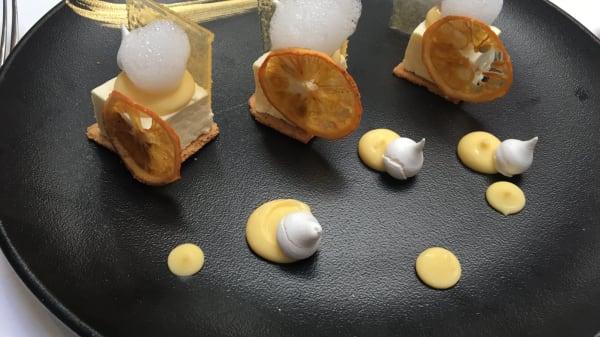 un des nombreux dessert - Le Mas du Lingousto, Cuers