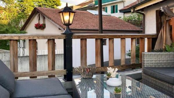 Terrasse - Adega - Bar à vins & tapas, Chêne-Bourg