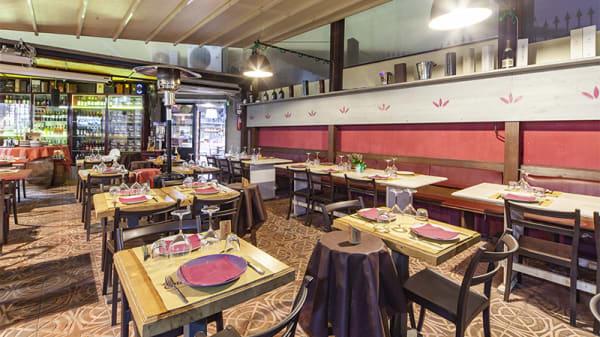 Sala del ristorante - Enoteca Fiordigusto, Volla