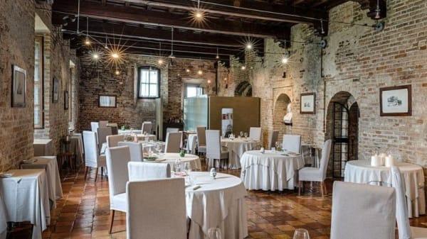 sala - Babylon, Turin