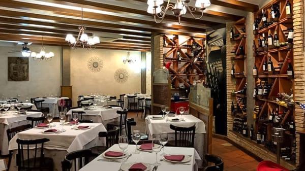Sala del restaurante - La Parrilla de Dacho, Puertollano
