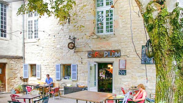 Patio - Café Plum, Lautrec