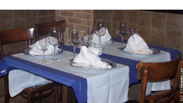 Detalle mesa - El Sauco, Gijón