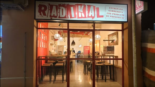 Entrada - Radikal - L'Hospitalet, Hospitalet de Llobregat