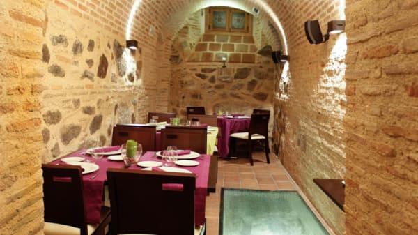 Vista sala - La Cave, Toledo