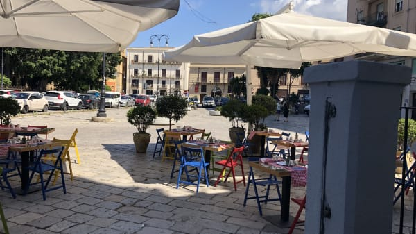Osteria Mangia&Bevi Piazza Marina, Palermo
