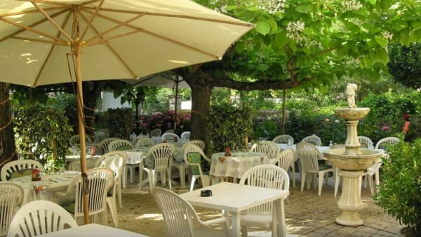 Restaurant - Le Médiéval, Saint-Macaire