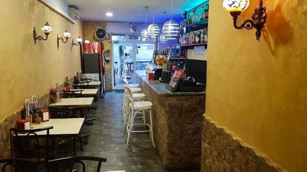 Sala - Manchis Bar Restaurante, Barcelona