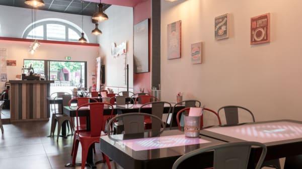 Salle du restaurant - Max à Table Saint-Pierre, Bordeaux