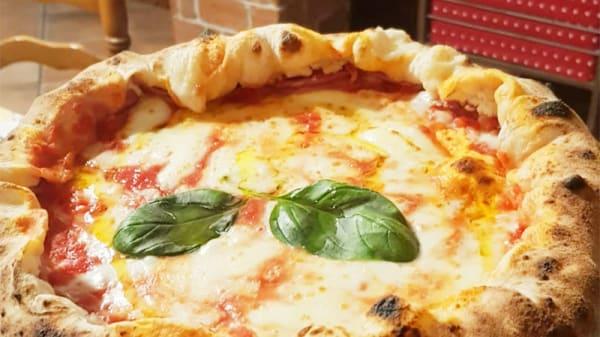 margherita con cornicione ripieno - Capachiatta, Osteria Pizzeria Braceria, Massa Di Somma