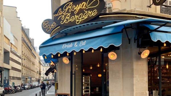Façade - Le Royal Bergère, Paris