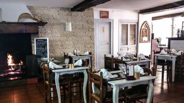 salle avec cheminée - Auberge du Fronton, Ustaritz