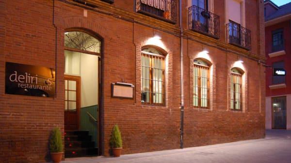 Vista fachada - Delirios, León