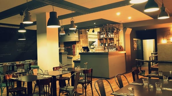 la salle de restaurant - L'Atelier des Halles, La Roche-sur-Yon
