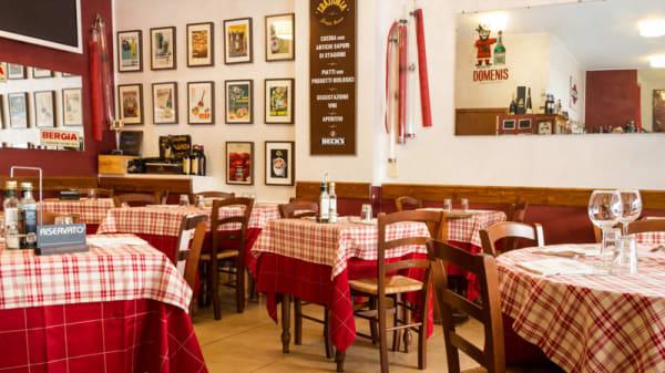 Il tavolo - Trattoria Famiglia Conconi, Milano