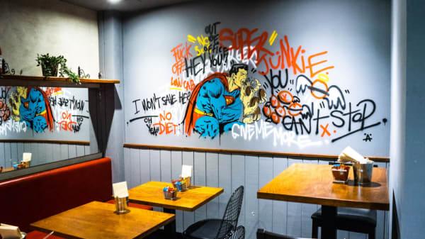 Vista de la sala - Junk Burger, Madrid