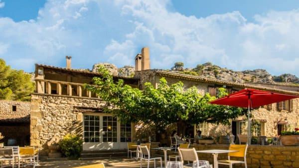 Terrasse - Domaine de Roquerousse, Salon-de-Provence