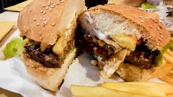 panino - Al Capone's Burger 'n' Pizza, Cassino