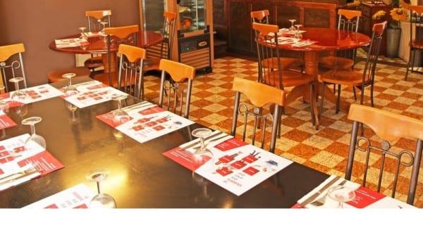 Table dressée - Café-Restaurant de la Tour, Lausanne