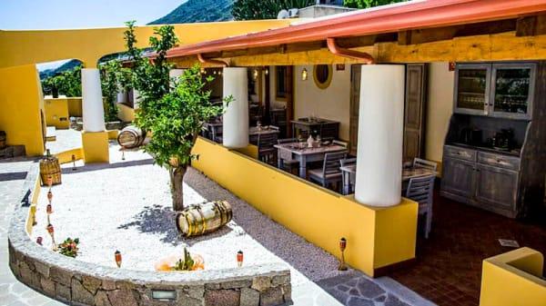 Terrazza - Tinkitè - Ristorante Eoliano, Santa Marina Salina
